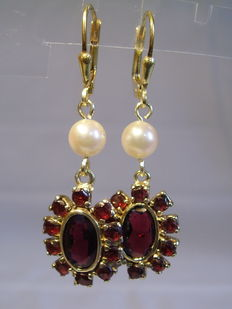 Earrings with garnets and genuine salt water pearls