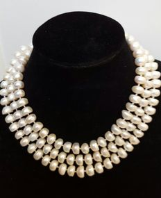 Large necklace with big white freshwater cultured pearls