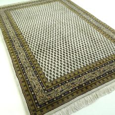 """Mir – 202 x 137 cm – """"Oriental carpet in cream/green – In beautiful, virtually unused condition"""". – Please note! No reserve, bidding starts at €1."""