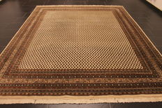 Magnificent hand-woven Oriental palace carpet, Sarough Mir, 250 x 300 cm, made in India, excellent highland wool around 1990