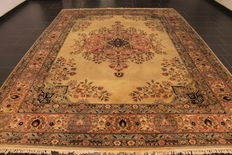 Handknotted Persian carpet, Tabriz, 250 x 340 cm, made in Iran