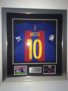 Leo Messi / FC Barcelona - Beautiful Signed and Professional Framed 16/17 shirt + COA inc. Photoproof.