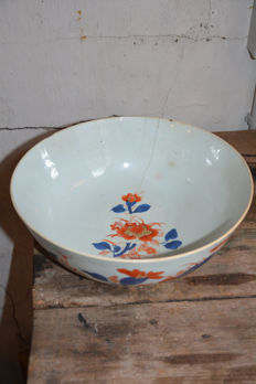 Fine quality large Chinese Imari  bowl - China -  18th century
