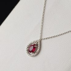 18 kt white gold necklace with 0.16 ct diamonds, and ruby – 55 cm