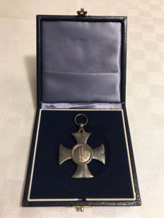 Solid silver merit cross medal