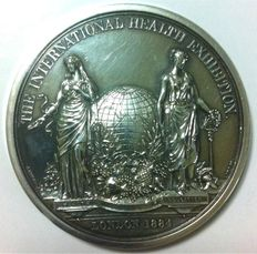 United Kingdom - Medal 1884 'Victoria Regina International Health Exhibition' by J. Pinches/E.G. Wyon - silver