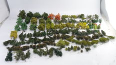 Scenery H0 - Tree set with 200 trees, different types and sizes for railway modelling