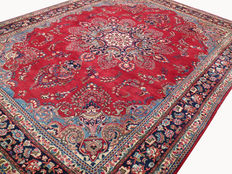 Beautiful Persian Kashmar carpet, vase pattern, 3.90 x 2.90 m, hand-knotted oriental carpet, made in Iran, top condition