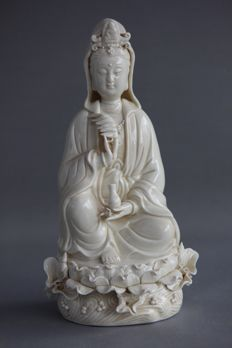 Kwan Yin - Blanc de Chine porcelain - China - late 20th century