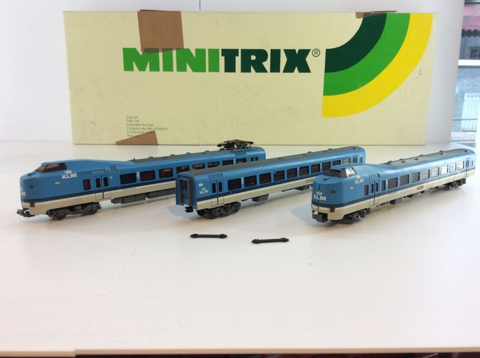 "Trix N - 12829 – 3-piece E-train unit ""Frontrunner KLM"" of the NS, with interior lighting (941)"