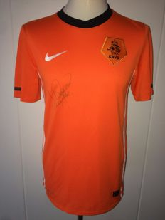 Wesley Sneijder / Netherlands - Signed Netherlands home shirt, World Cup 2010.
