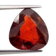 Red-orange spessartine garnet – 10.25 ct