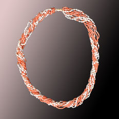 14 kt gold angel skin coral necklace, 9 strands with keshi pearls and gold beads - 60 cm