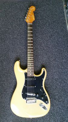 London City Spitfire MKII, Stratocaster model in the colour Butterscotch