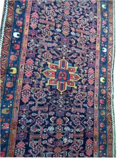 Antique Hamadan hand-knotted woolen carpet 326 cmx110cm.Take into account there is no reserve price, bidding 1euro