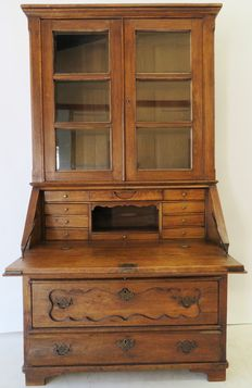 Oak secretary with upright display case partition -the Netherlands - 18th century