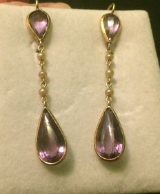Gold earrings with amethyst