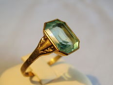 Victorian gold ring with blue topaz