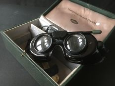 A Frenzel Nystagmusbrille with magnifying lenses, without battery and a diopter measuring instrument, Carl Zeiss Jena. From Germany.