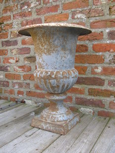 "Very large beautiful French cast iron ""Louvre"" garden vase, second half 20th century, France"