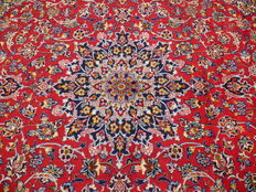 Beautiful Persian carpet, Isfahan, 3.85 x 2.80 m, hand-knotted oriental carpet, made in Iran - top condition