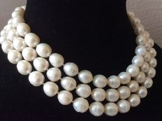 Necklace with large, baroque pearls with rings - 126 cm/49.5 inches.