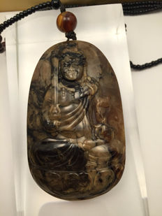 Burmese Amber carved pendant, weight: 34.4 gr, incl. certificate