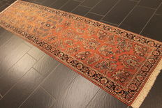 Persian carpet, Sarough, runner, 70 x 270 cm, made in India, end of the 20th century, very good condition