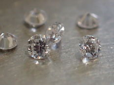 Lot of 6 brilliant cut natural diamonds of 2.40 mm, total weight 0.35 ct, E/VVS
