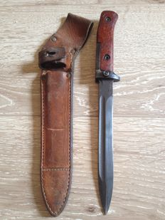 Czech AK-47 Samopal Bayonet - 2nd Model - with original leather sheath 1950s/1960s - 20th century
