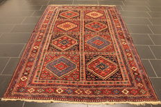 Handwoven Persian carpet, Qashqai, nomad carpet, wool on wool, made in Iran, 160 x 240 cm around 1960