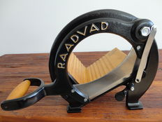 RAADVAD Vintage Bread Slicer / Cutter no. 294,  Black - Very good used condition.