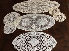 7 side table doilies