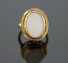18K Yellow Gold Ring With 6CT Opal c.1960