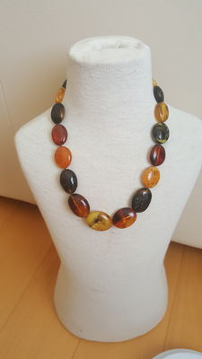 100% natural Baltic amber necklace with fossilized insects multicolour, polished, weight 58 grams, length 51cm