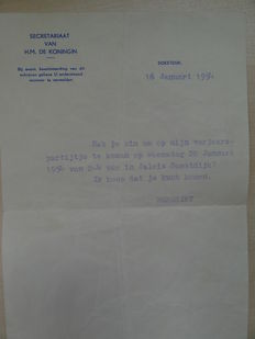 Dutch royal house; Lot with 3 letters from Soestdijk Palace with original envelope - 1954 / 1955