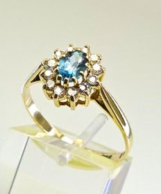 Solid gold ring set with Blue & white Swiss Topaz °°°NO RESERVE°°°