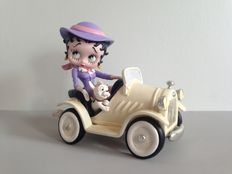 Betty Boop in car with dog (2003)