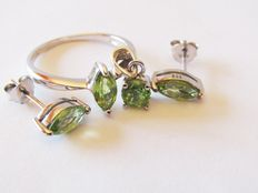 Sterling silver ring with peridot – ring size 17.5 mm