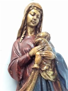 High old statue of Mary with baby Jesus. Belgium – 20th century - limestone - Signed: Gueli