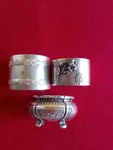 Lot of salt-cellar and two 925 sterling silver stamped napkin rings. Antique