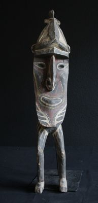 Rare footed head sculpture - Kwoma - Washkukhügeln - Papua New Guinea