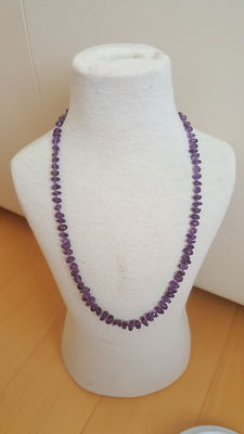 Necklace with Amethyst Amethyst 1960 stones - Dimensions: 60 cm - Weight: 23 grams