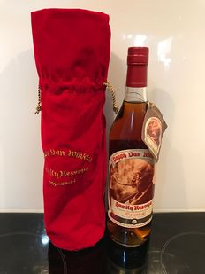 Pappy Van Winkle Family Reserve 20 Years - With the Original Dust Bag