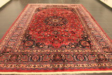 Royal hand-knotted Persian carpet, Mashhad, 250 x 350 cm, made in Iran, signed by the weaver, very good condition