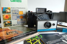 Polaroid land camera automatic 210 with 2 books and manual ca 1967