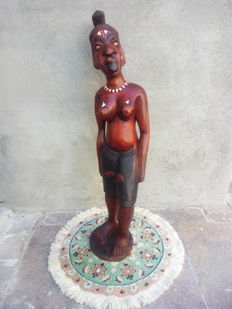 Beautiful African Sculpture of a woman of great decorative effect, solid wood + Ivory