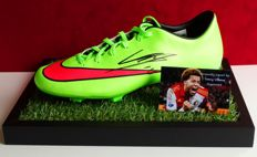 Tonny Vilhena original autographed Nike football shoe + Certificate of Authenticity and photo proof