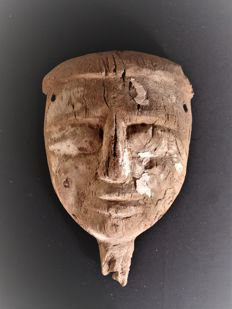 Egyptian wooden mask from a sarcophagus - Length 335 mm
