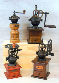 Four retro wooden coffee grinders with cast iron mechanism, 2nd half of the 20th century, Germany